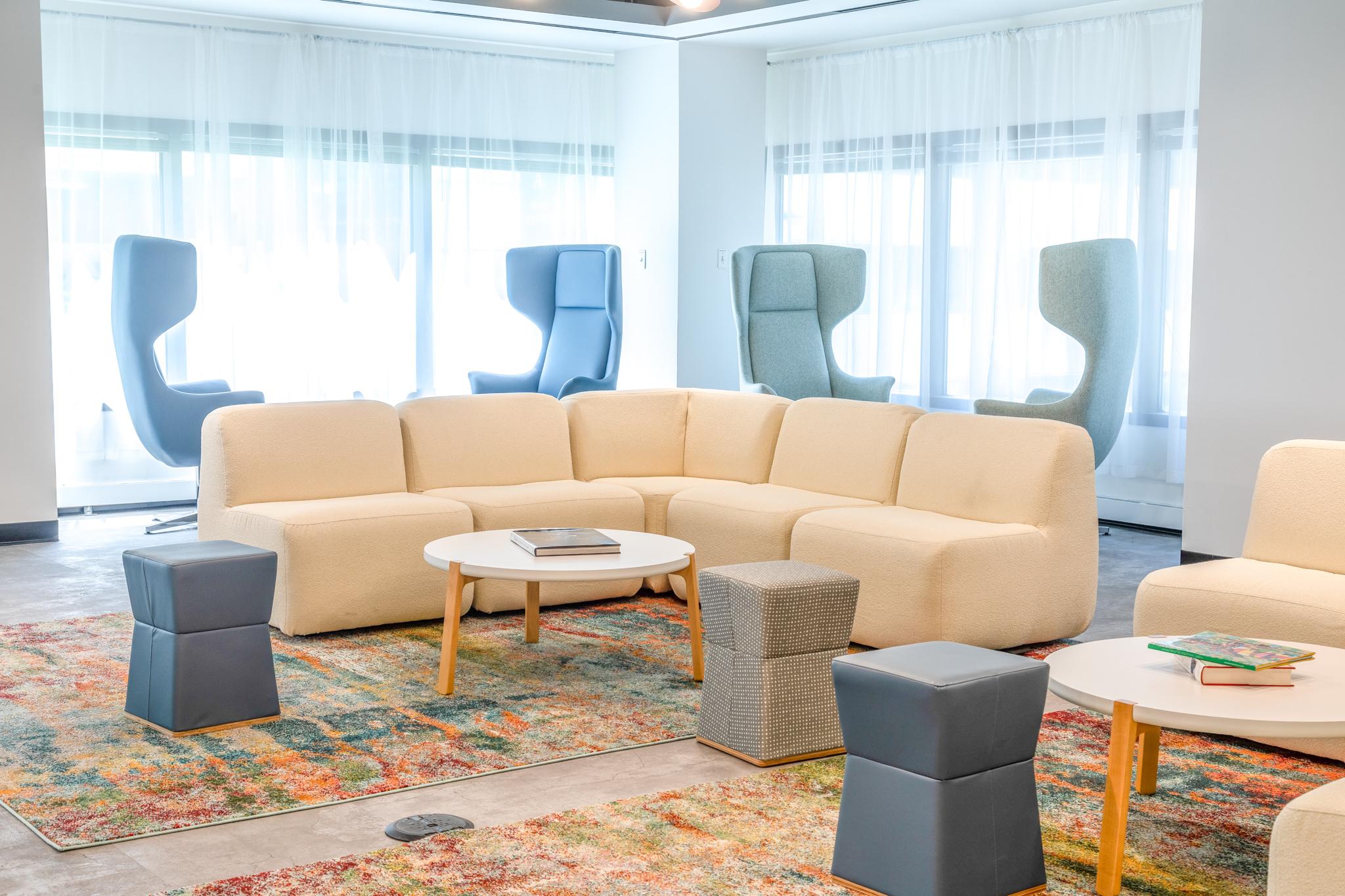 chicago-office-furniture-lounge-ottoman-cream