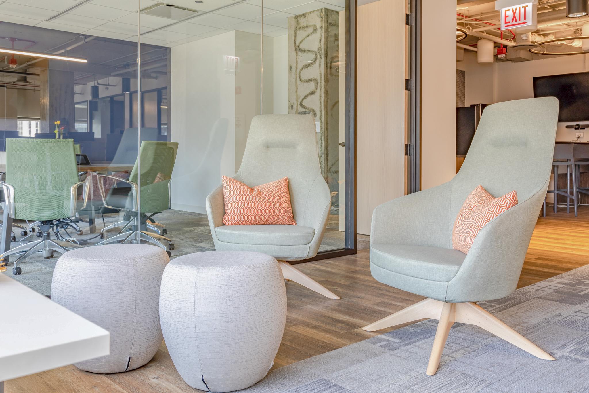 chicago-office-furniture-lounge-scandavian-light-grey