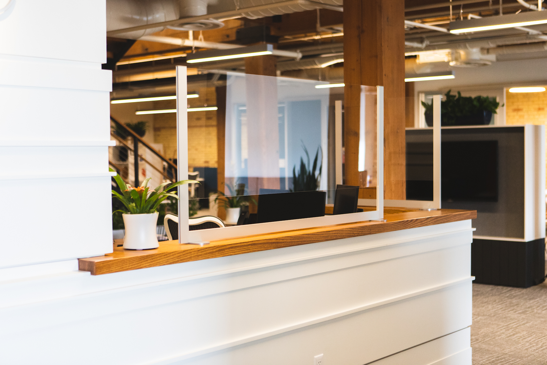 chicago-office-furniture-reception-counter-shield